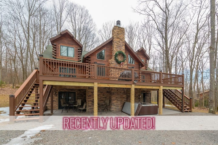 Lake Area Home w/Hot Tub, Fire Pit, Pool Table, & Wood Fireplace!