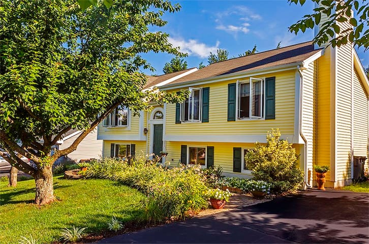 Charming Home In Old Town Manassas IV