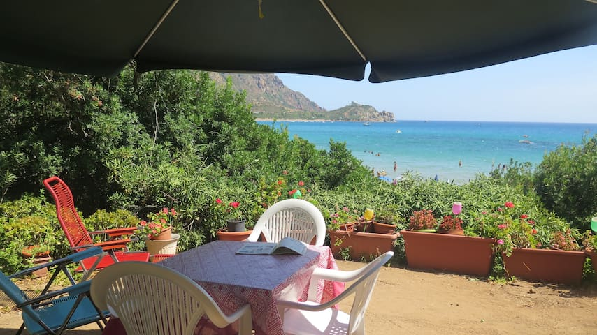 Villetta con giardino sulla spiaggia