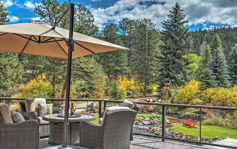 4BR Evergreen House w/Splendid Mountain Views - Evergreen - Dům
