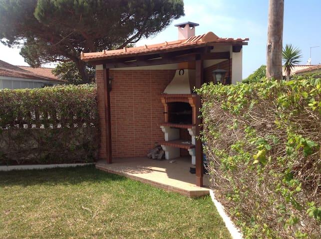 Praia Grande, Single Room, Charming house, Sintra - Colares - Dům