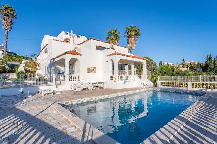 DECEPTIVELY SPACIOUS, THIS VILLA IS A GREAT CHOICE