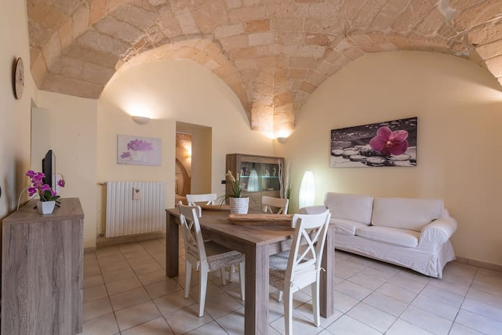 """""""Casa di Ettore"""" inside the historic city of Lecce"""