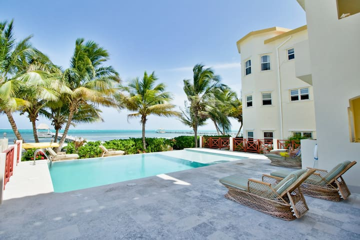 Relaxed Beachfront living, Excellent Views #5