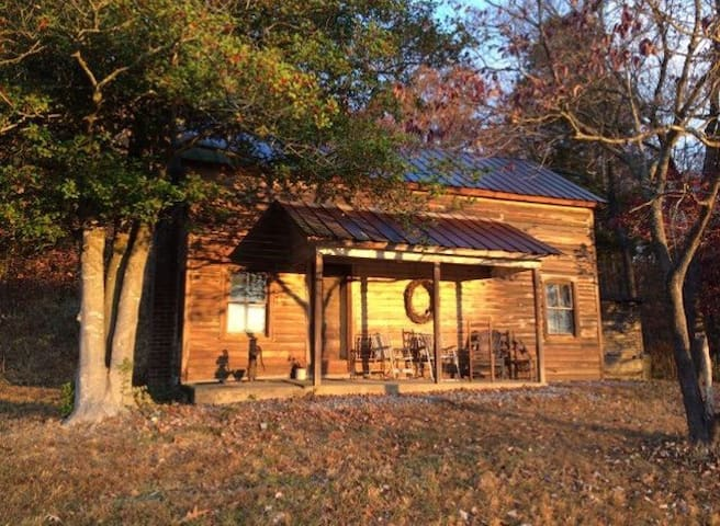 :-) Cozy Cabin in Appalachia - Greeneville - บ้าน