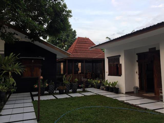 Brown Guest House - Daerah Istimewa Yogyakarta - Villa