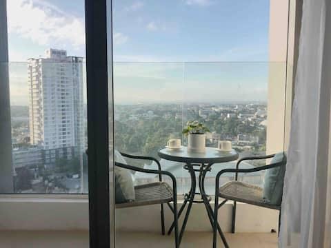 Aeon Towers Executive 1BRCondo med balkong+havsutsikt