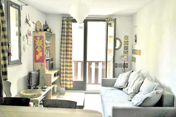 Appartement d'une chambre à Aiguilles, avec magnifique vue sur la montagne et balcon - à 5 km des pistes