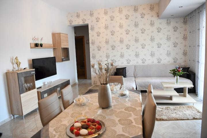 *Starlight* Lux 3 Bedroom Apartment, Rethymno