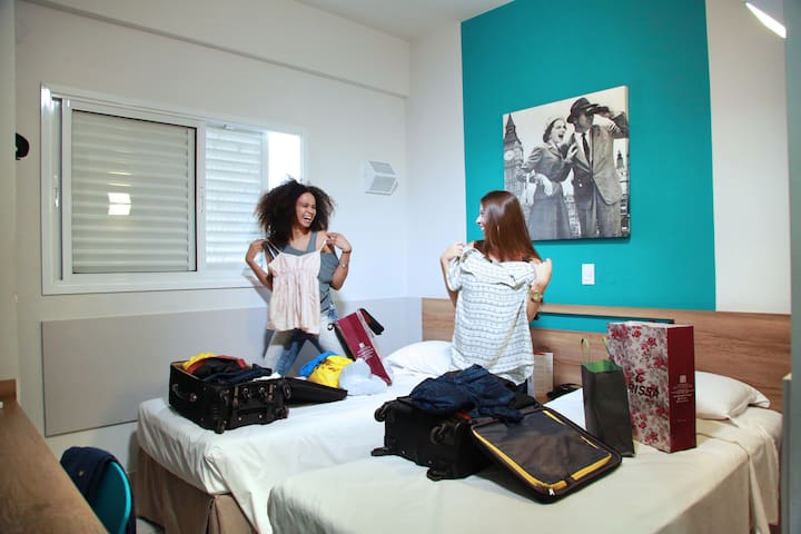 Apartamento com 02 Camas de Solteiro