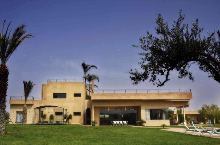 superbe villa contemporaine - Lahebichate - Villa