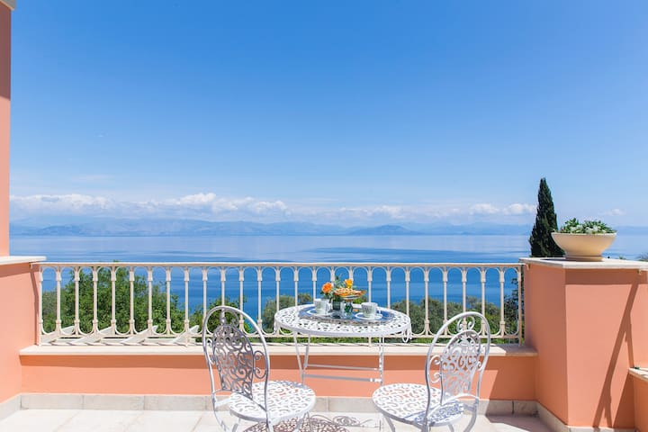 Greek Villa with the Stunning View - Achilleio - Hus