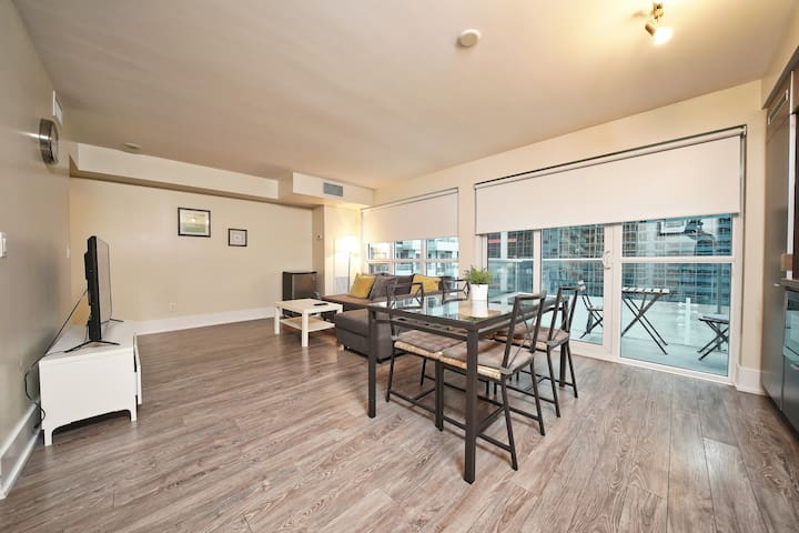 2 Bed Suite - Downtown Core