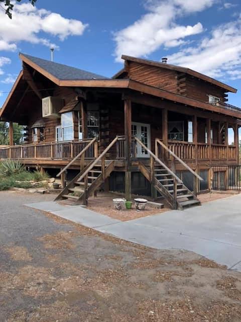 Farmington Log Cabin - Basement Room
