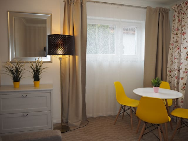 Apartment in a quiet part of Warsaw - Parking,WiFi
