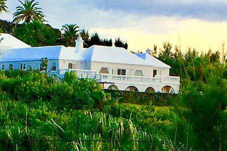 4500 SQFT House w/ Pool, Ocean View & Bus Stop!!!