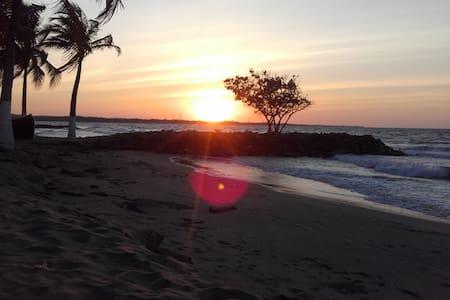 Ocean Front in Coveñas - Hotel frente al mar - Coveñas - Butik otel