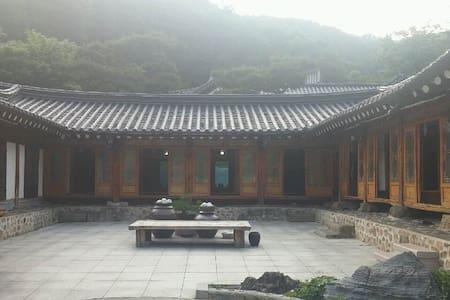 한옥마을 한옥스테이 (40평) - Mokhyeon-dong, Gwangju-si