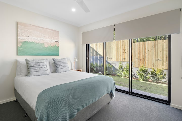 DAYDREAM Excellent Family Value 3mins to Airlie