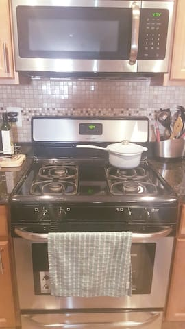Gas stove/oven