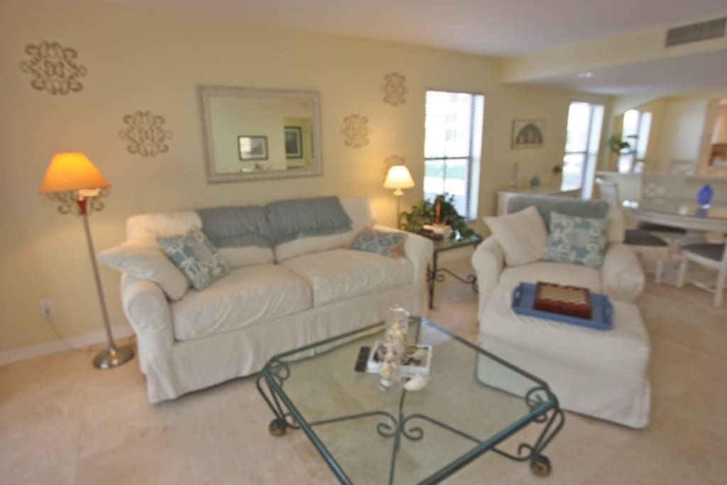 Lovely Open Living Room Area with Sleeper Sofa/Cable TV/View of the Beautiful Ocean