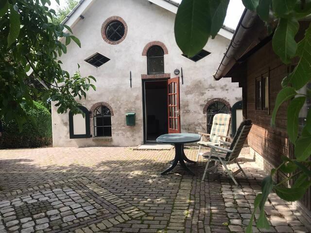Origineel bakhuisje op de boerderij
