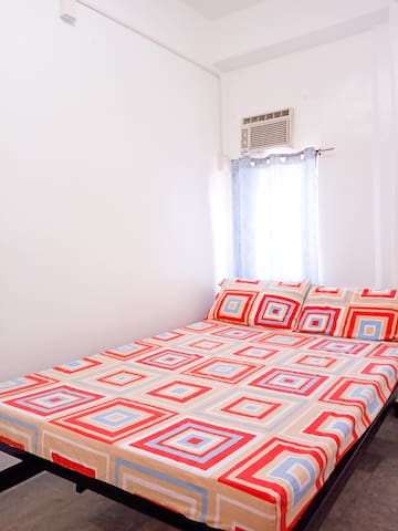 24 HOURS ROOM STAY IN KALIBO (NEAR AIRPORT/PLAZA)