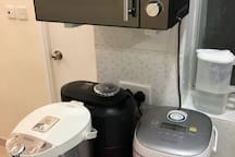 Microwave Oven, Electrical Water Boiler, Modern Rice Cooker, Japan Fully Automatic Bean to Cup Coffee Machine 微波炉、电热水煲、新式多功能饭煲、自动咖啡机