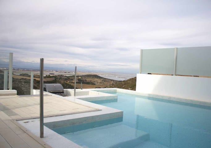 Townhouse with private pool and panoramic views