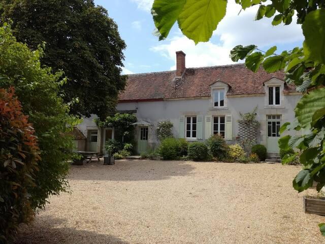 Agréable gite proche bords de Loire, 6-8 pers