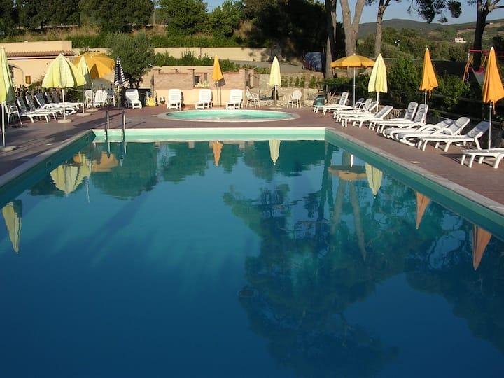 Monolocale per 3 persone in residence con piscina
