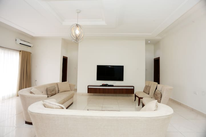 Furnished Apartment in Banana Island.