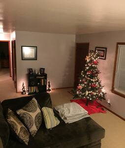 Entire House with Convenient Location - Knoxville