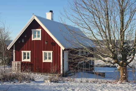 Farmhouse in Bjerrome. - Falkenberg N