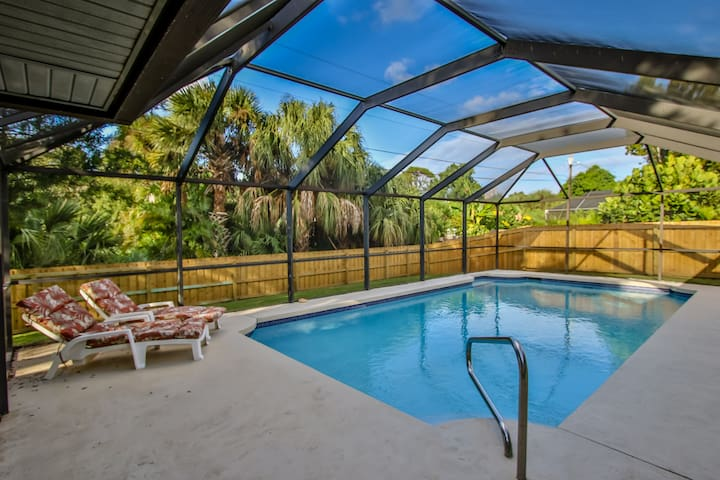 Heated pool & pet-friendly on Florida's East coast