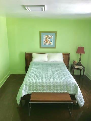 Roomy Spot