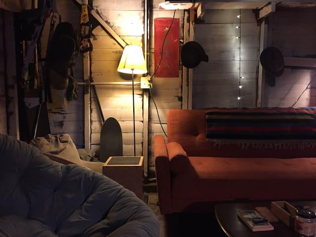 Echo Park Rustic California Cabin - Los Angeles - Chalet