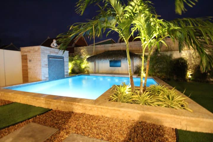 Amazing Villa Private Paradise with Heated Pool