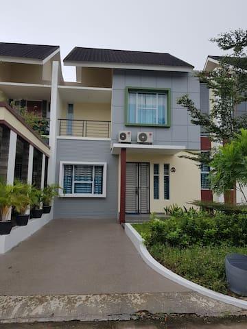Taman Golf Residence 2 S2 No 25, sukajadi Batam