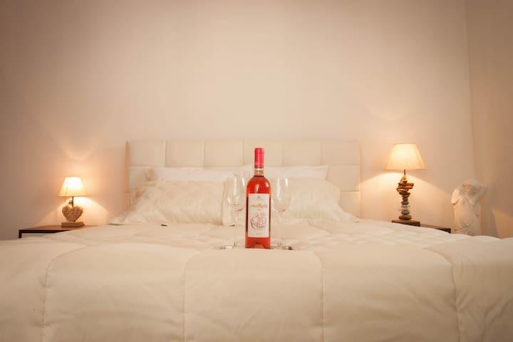 Amantes Amentes - Beach House Santorini - Santorini - Casa