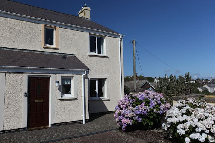 Immaculate First Floor Apartment in Solva - Solva - Leilighet