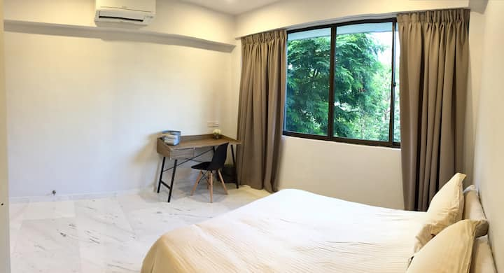 EH5, Newly Renovated Bedroom beside Somerset MRT