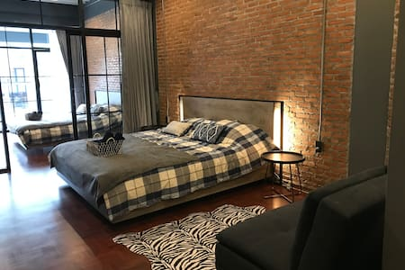 Signature Coffee & bed 1st