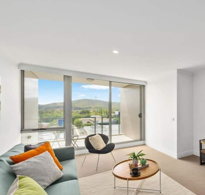 Smart 2BR 2Bath Apt@CBD #FreePark #View #Pool #BBQ