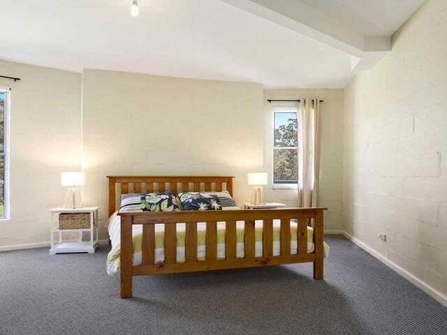 Queen ground floor bedroom