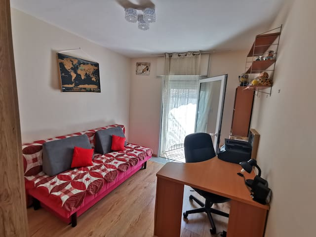 Cozy  room in 3 room apartment in Jerusalem