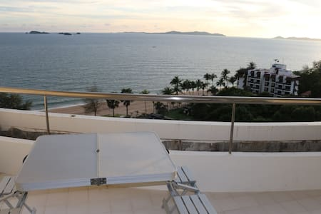 Homey and Cozy Beachfront Apartment at Rayong - Tambon Kram - Appartement