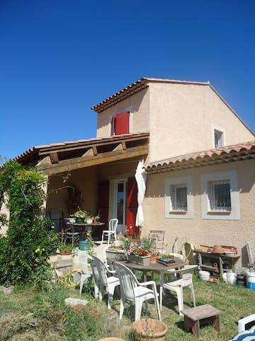 Villa au coeur des oliviers