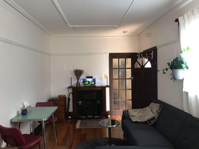 The Stables - Ground floor studio apartment
