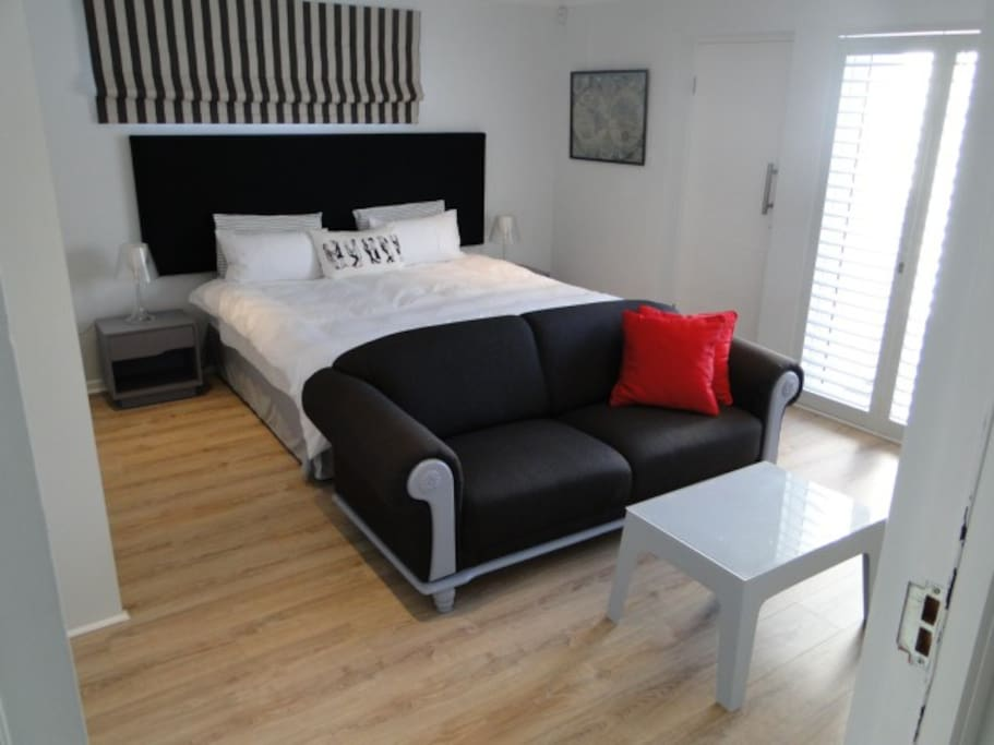 Studioat54 King size bed